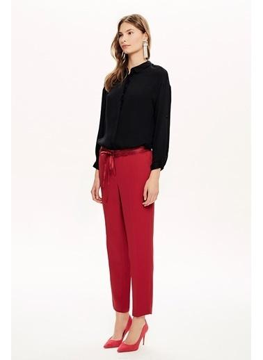 NaraMaxx Dantel Detaylı Dar Kesim Pantolon Kırmızı
